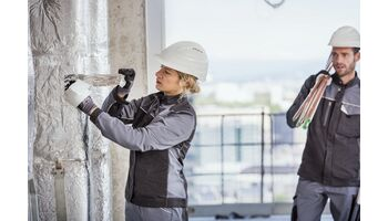 Im Trend: Handwerkerinnen passend einkleiden