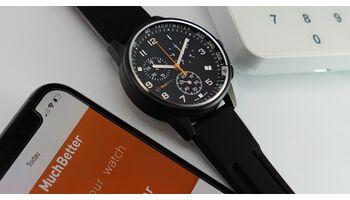 """MuchBetter und Winwatch bringen weltweit die erste analoge Uhr mit """"Bezahl-Saphirglas"""" auf den Markt"""