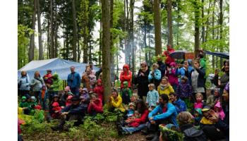 Erste Zürcher Waldschule feiert 5 jähriges Jubiläum