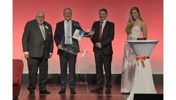 Gottlieb Duttweiler feierlich in die Swiss Supply Chain Hall of Fame aufgenommen