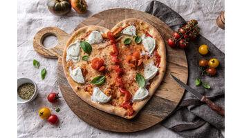 Das perfekte Liebesdinner mit EAT.ch: Herzförmige Pizza zum Valentinstag