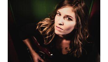 Sängerin Martina Linn sorgt heute auf ARTONAIR für Glücksmomente