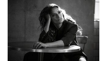 Melanie Winiger moderiert die Swiss Diversity Awards 2021