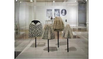 DIE SPITZEN DER GESELLSCHAFT - Eine Ausstellung im Textilmuseum St.Gallen