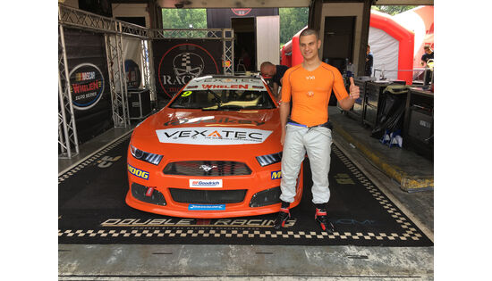 Swiss-Tech-Company VEXATEC testet einzigartiges Agility-Shirt zur NASCAR GP UK